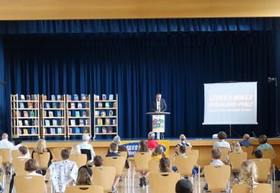 Copyright: Brauckhoff/LBZ. Minister Wolf bei der Eröffnung des Lesesommers 2020